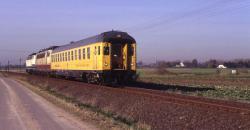 Der Messzug mit 216 051 und 103 001 im Düsterfeld bei Xanten.