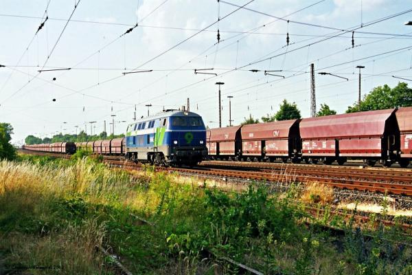Niag Lok 9 durchfährt Rheinkamp.