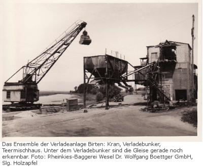 Das Ensemble der Verladeanlage Birten: Kran, Verladebunker, Teermischhaus