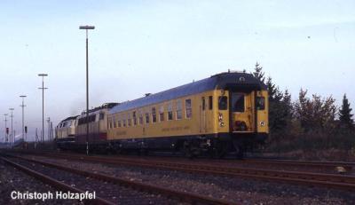 Der Messzug nimmt im Bahnhof Xanten Anlauf für eine weitere Testfahrt Richtung Kleve.